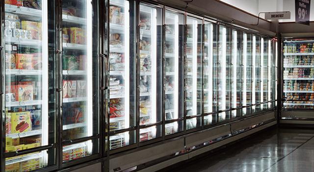 Alimentos congelados en un supermercado